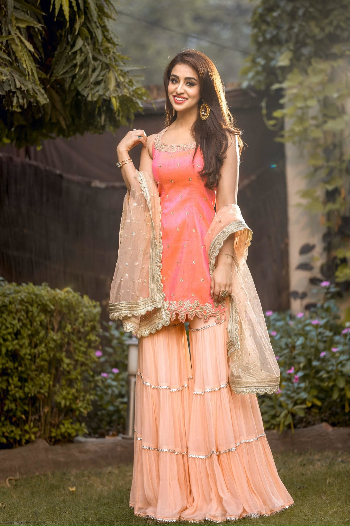 Manvi-Kapoor-Celebrity-Musskan-Sethi-wearing-Peach-Garara-Set-Ethnic-Indian-Womenswear