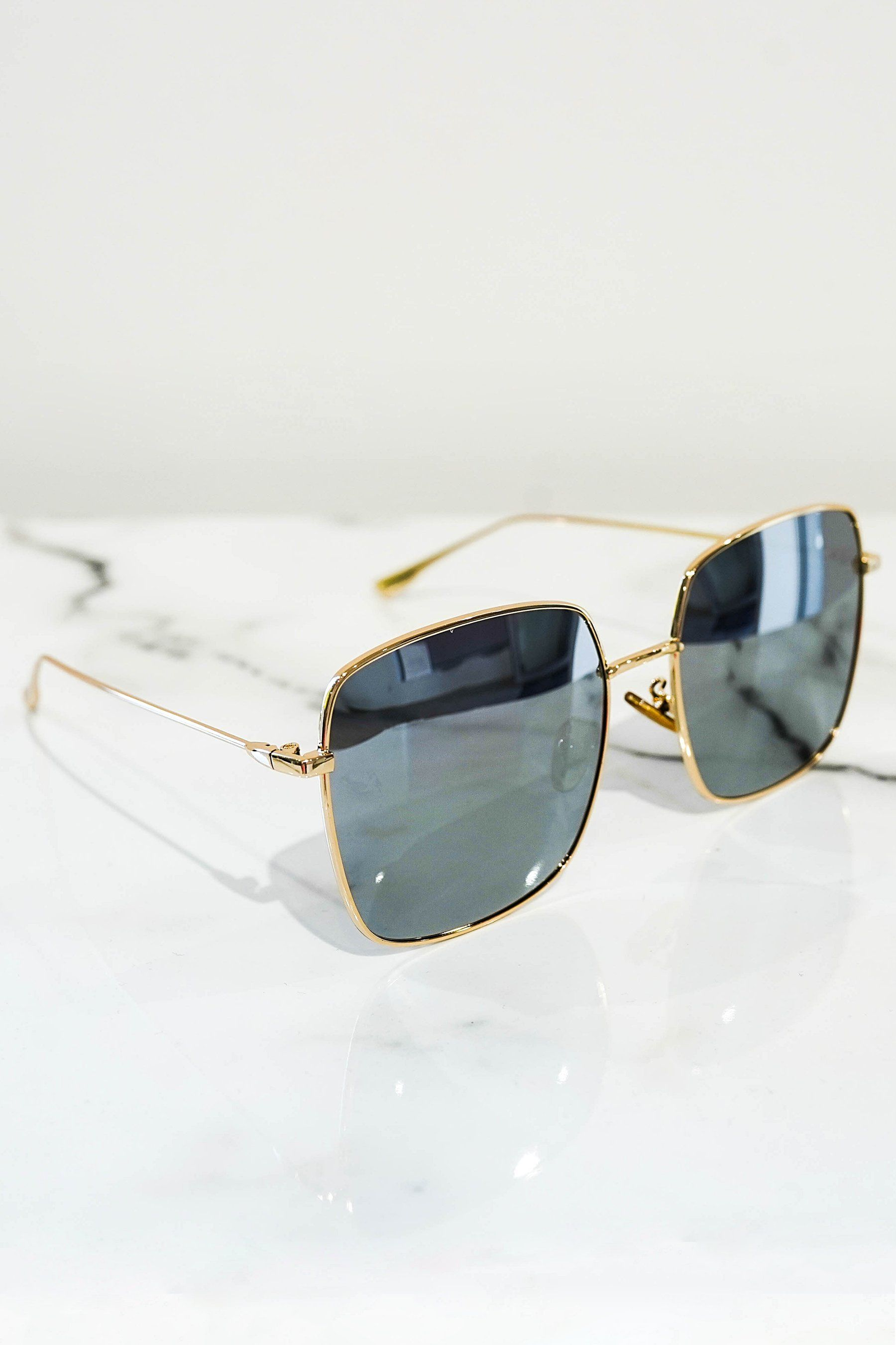 Squared sunglasses gold With mirrored lens