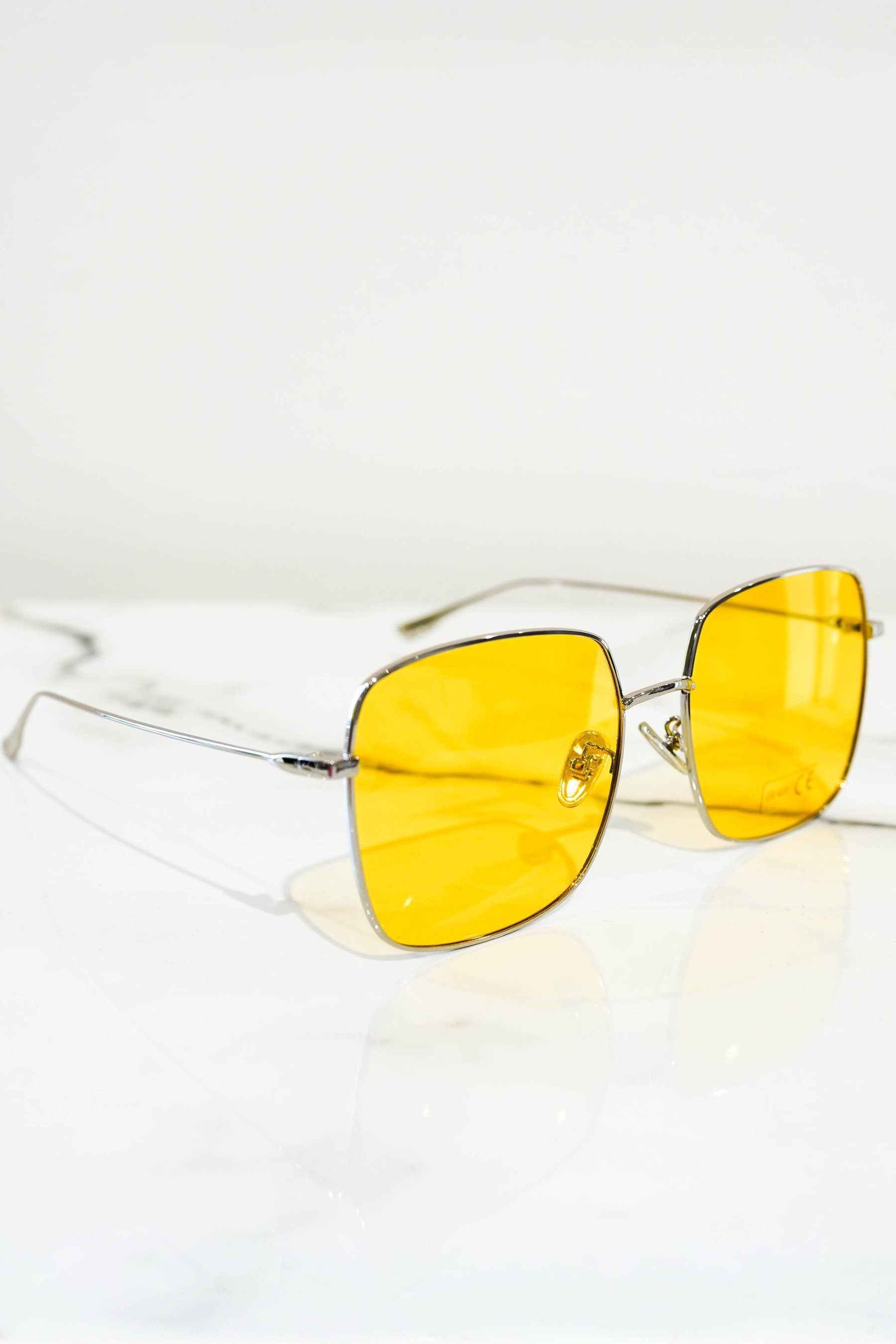 Squared sunglasses silver With yellow lens