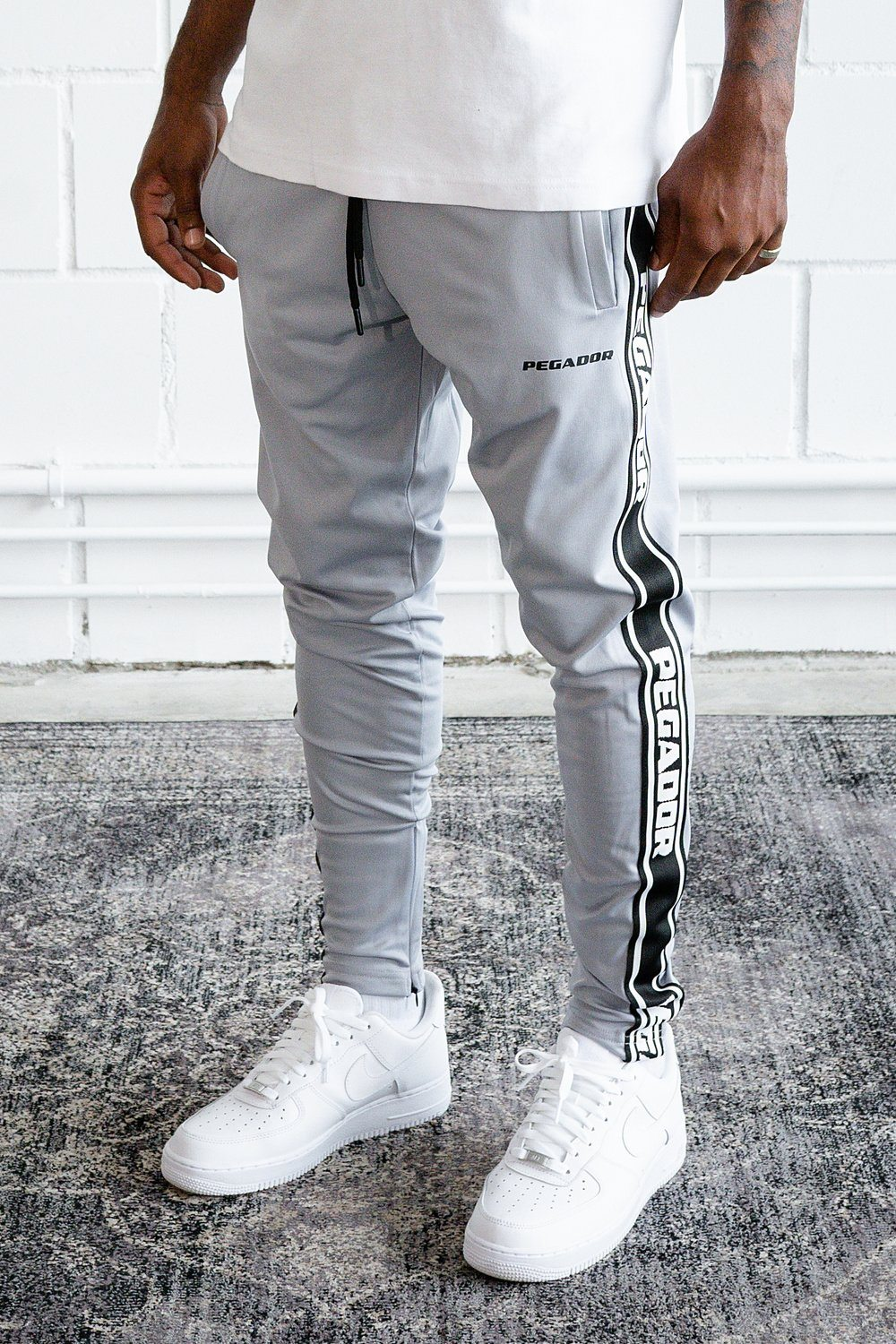 Logo Sweat Pants Grey Black SWEAT PANTS PEGADOR
