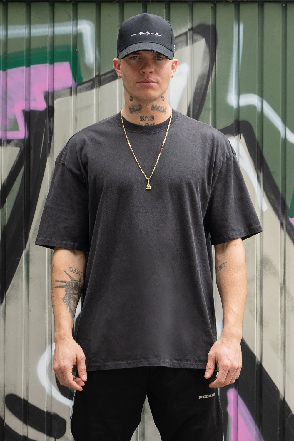 Oversized Tee Washed Black T-SHIRT PEGADOR