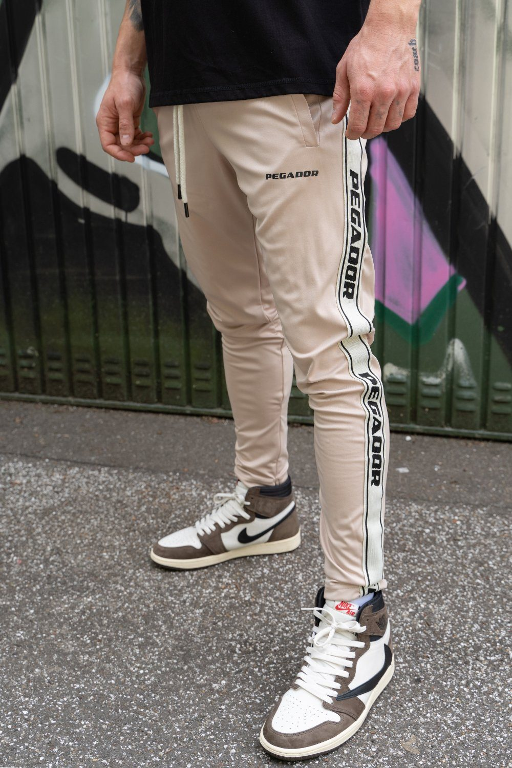 Logo Sweat Pants Sand SWEAT PANTS PEGADOR