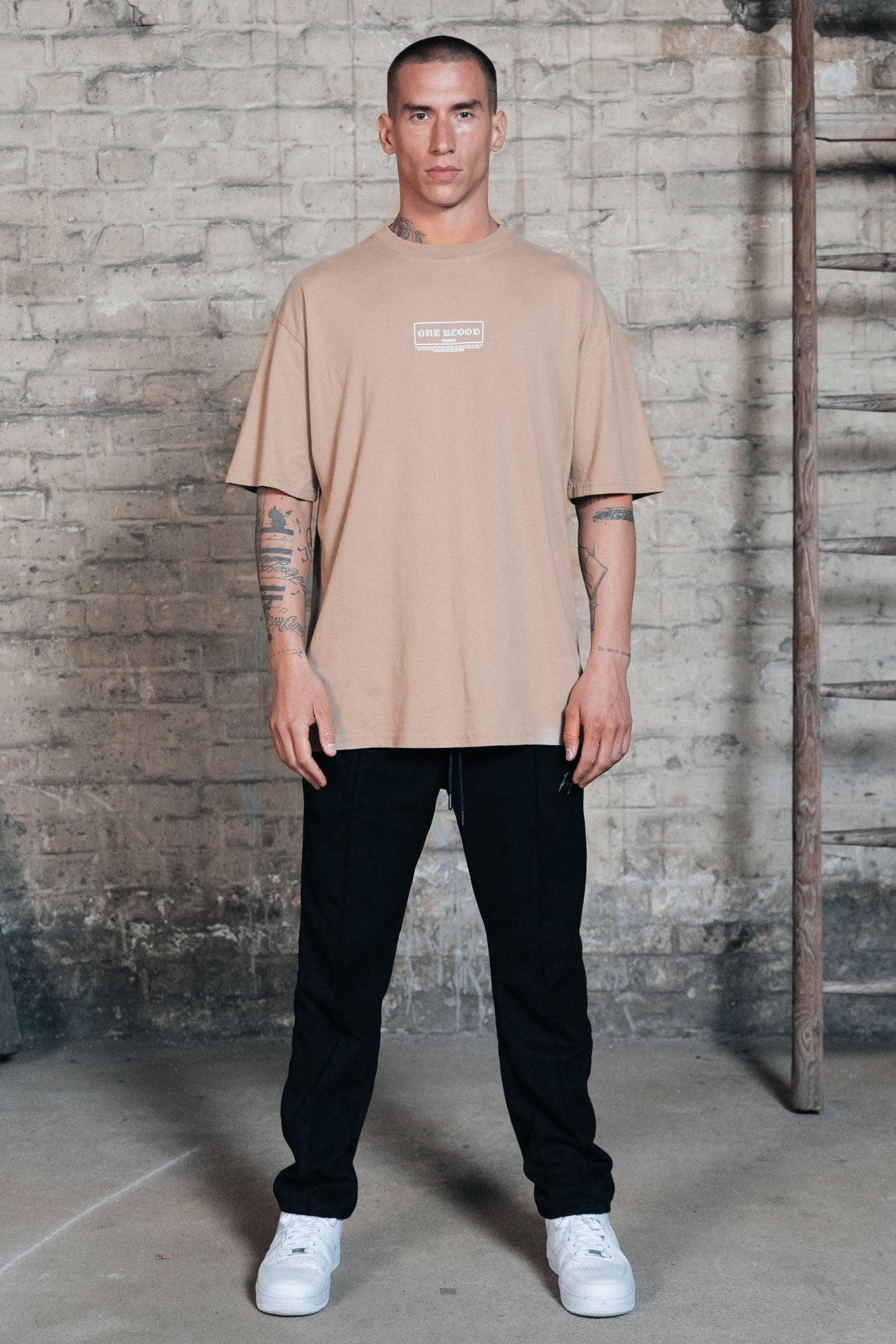 Seattle Oversized Tee Washed Taupe T-SHIRT One blood
