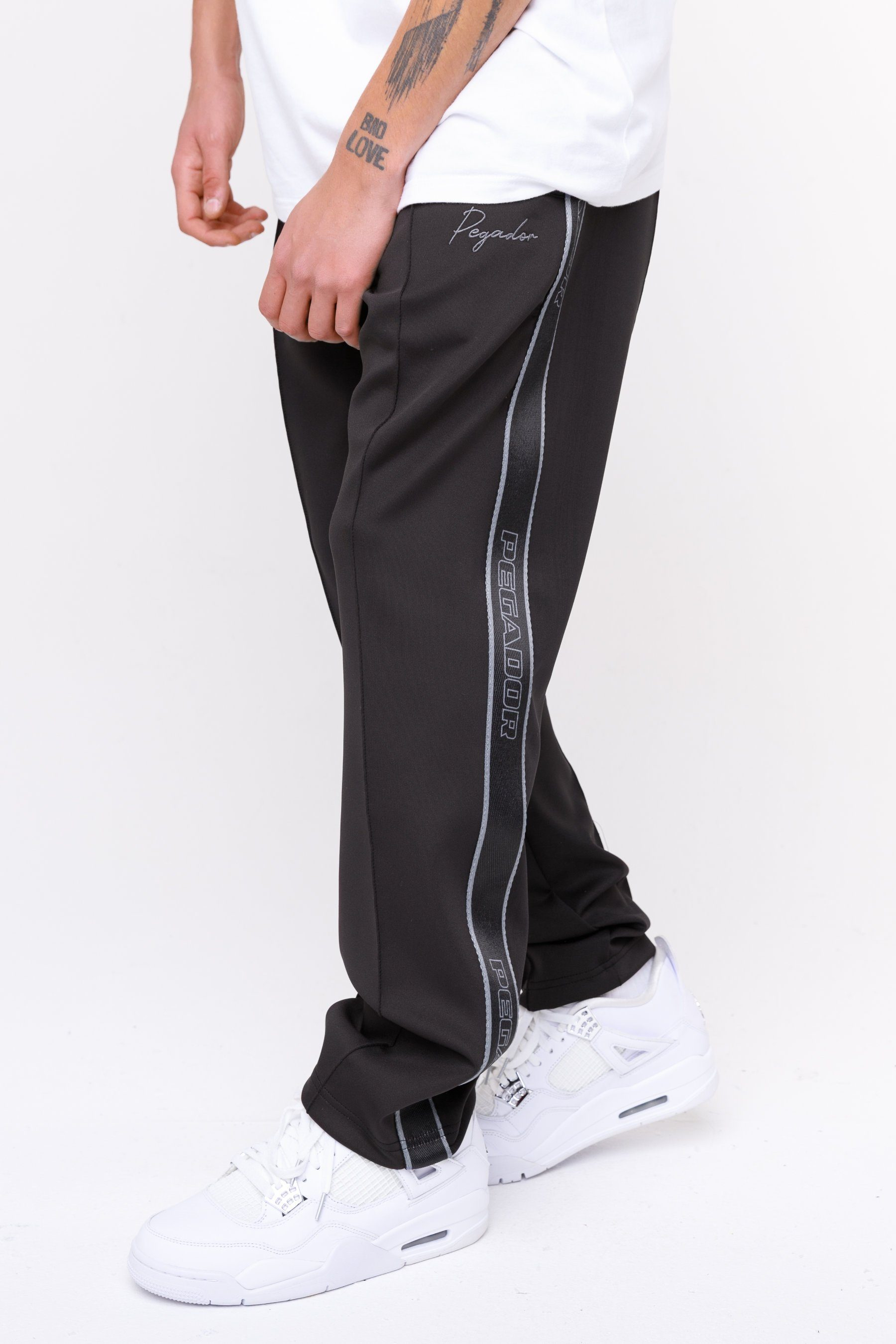Wide Trackpants Black Grey BOTTOMS Frozen