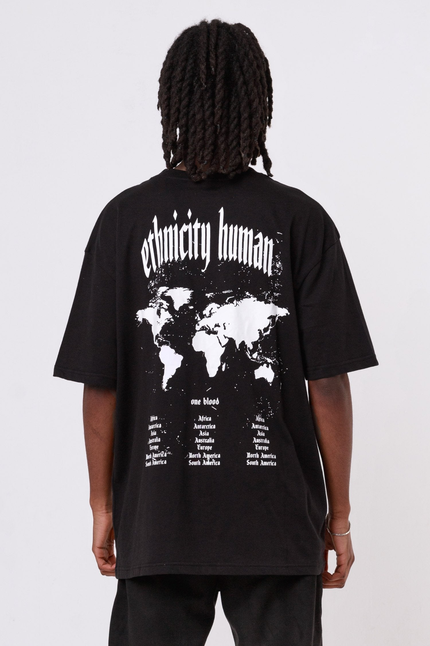 World Oversized Tee Black T-SHIRT One blood