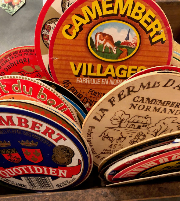 Lot of 5 French Camembert Cheese Labels Vintage 70s - 80s Etiquette Fromage, Francophile cheese lover, decoupage craft scrapbooking