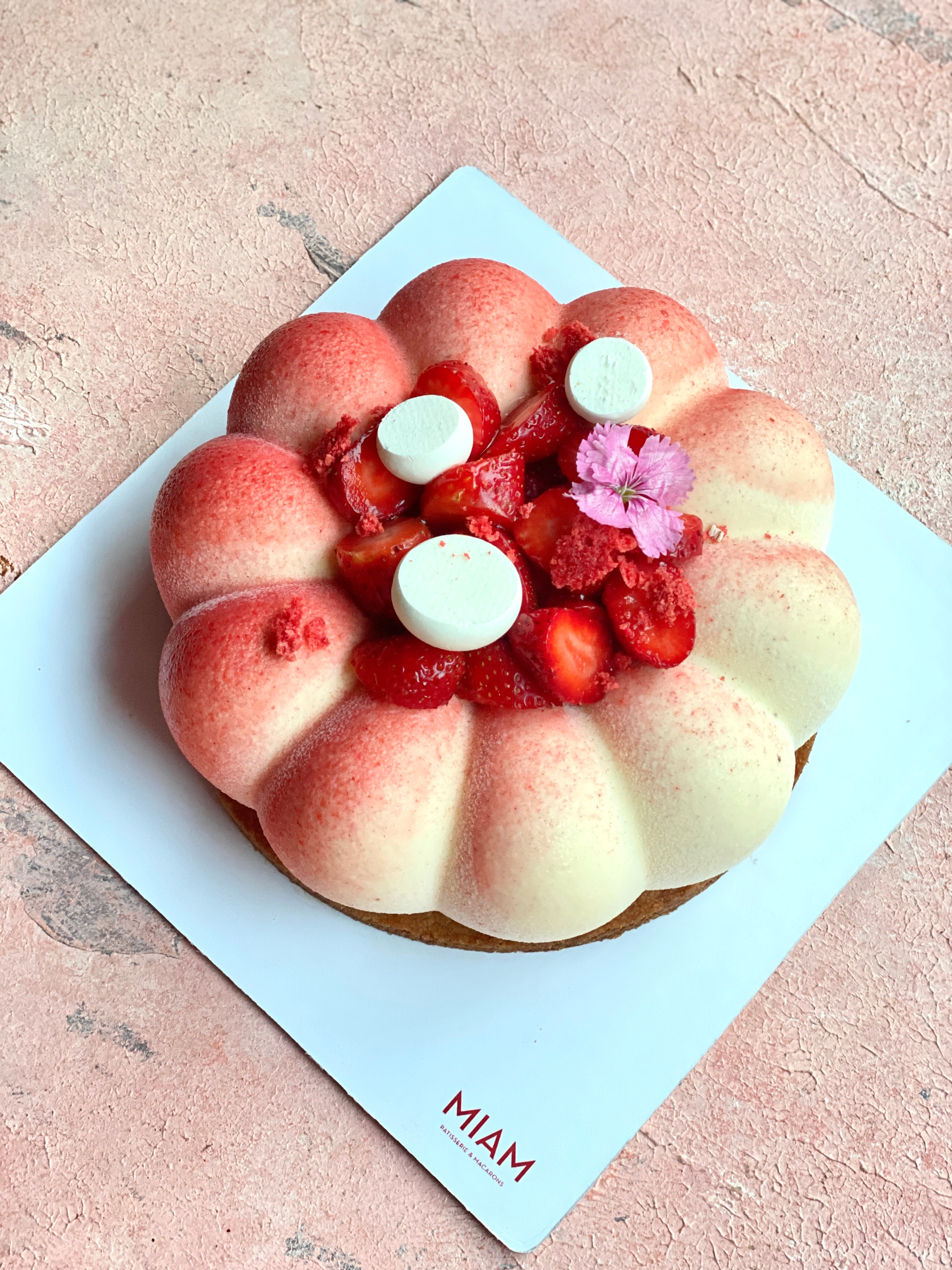 Fresh Strawberry and Vanilla Cake