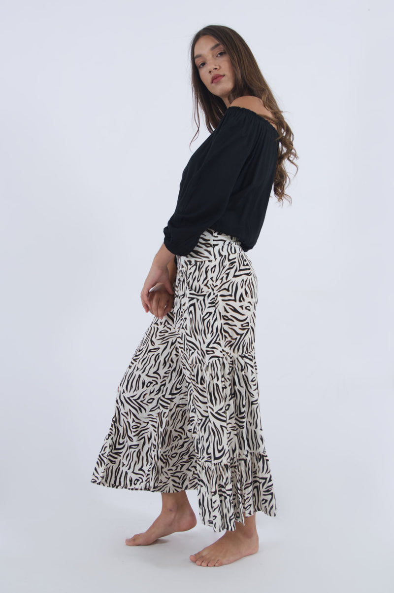 Ladies high waisted wide leg pants. Summer cropped pull on pants in zebra print.