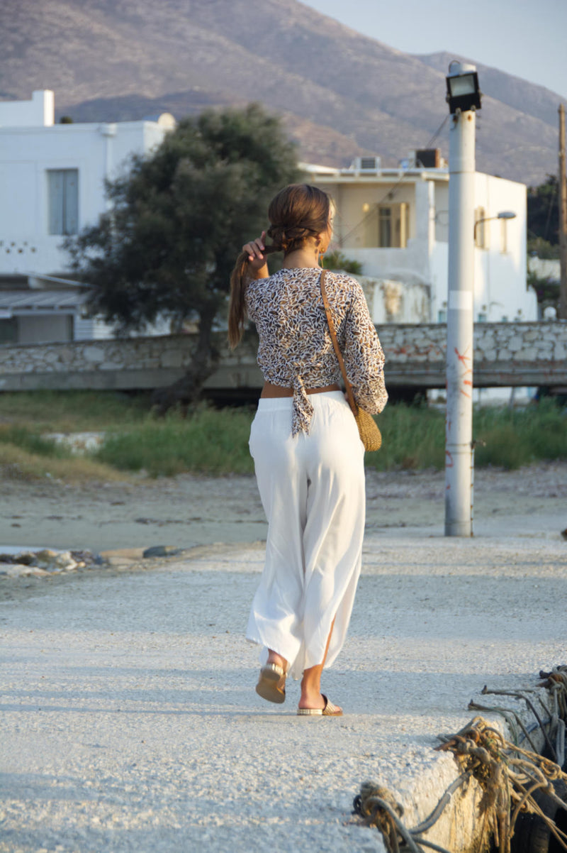 Loose fit trousers with elastic waist