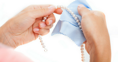 cleaning pearl jewelry