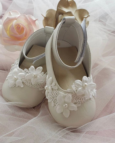 Ivory Leather Soft Sole Shoe