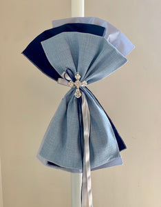 Blue and Navy Crystal Cross Upright Bow Lambatha
