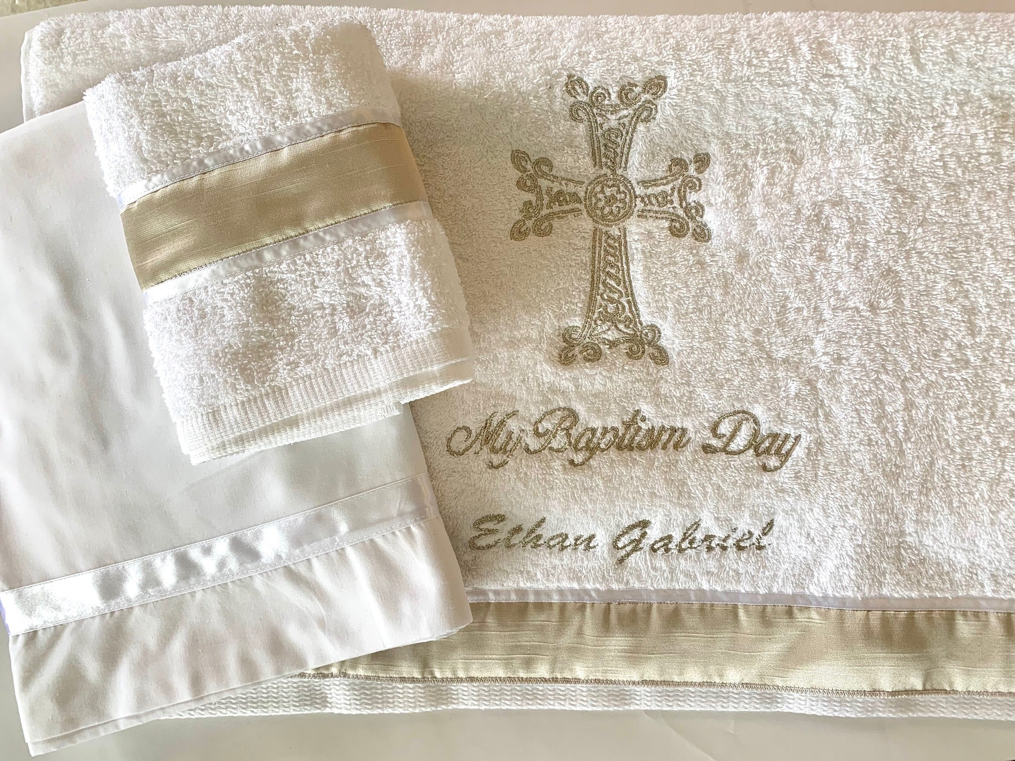 Embroidered Personalized Towel Set