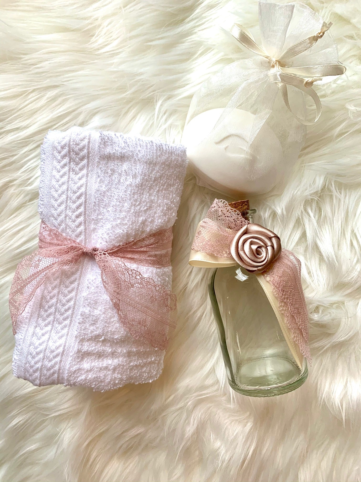 Rose Gold Rosette Oil Bottle Set
