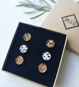 Animal print stud set