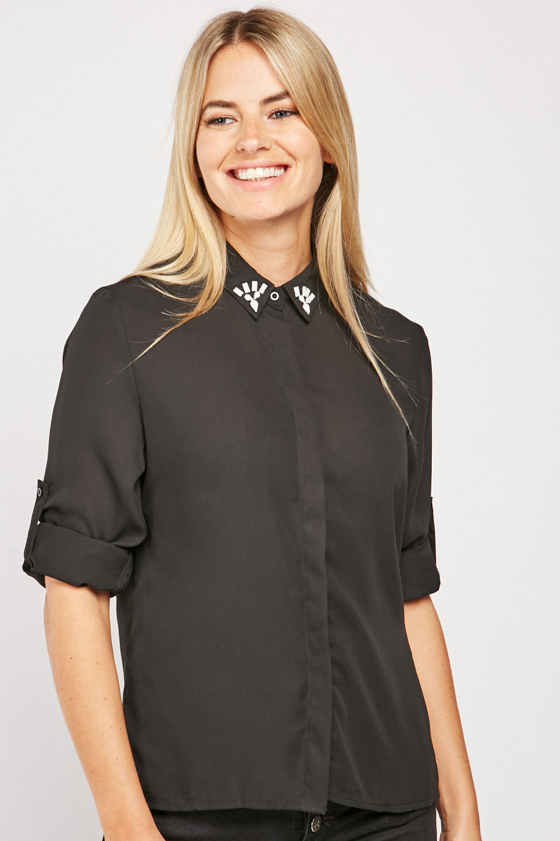 ENCRUSTED COLLARED BLOUSE