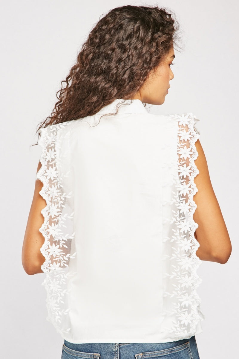 LACE TRIM SLEEVELESS BLOUSE