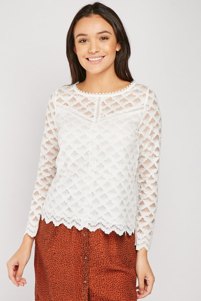 LAYERED LACE SCALLOP TOP