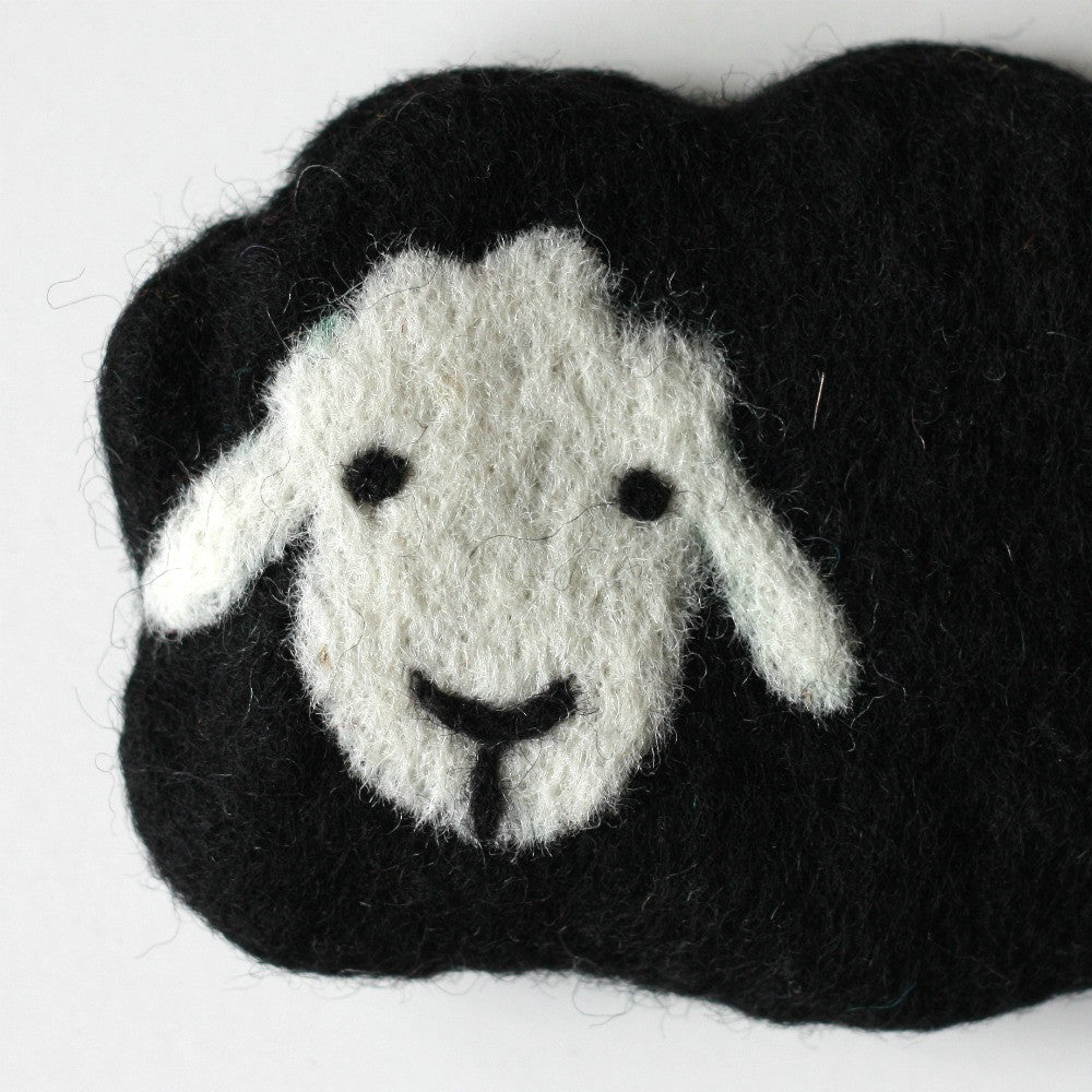 Frabjous Fibers and Wonderland Yarns - Baby Sheep Notions Pouch - Black - Yarning for Ewe - 2