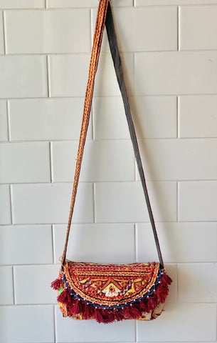 Vintage Embroidered Shoulder Bag