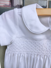 Load image into Gallery viewer, Petit Bebe Boys Knit White Smocked Bubble