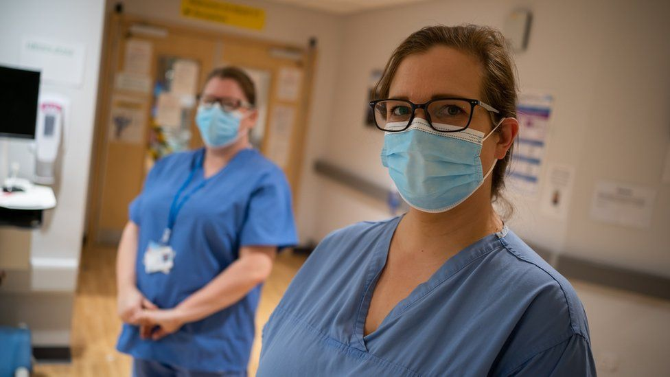 Covid PPE: How healthcare workers came to feel 'expendable'