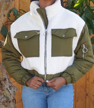Load image into Gallery viewer, Tundra Sherpa Jacket(Creme/Olive)