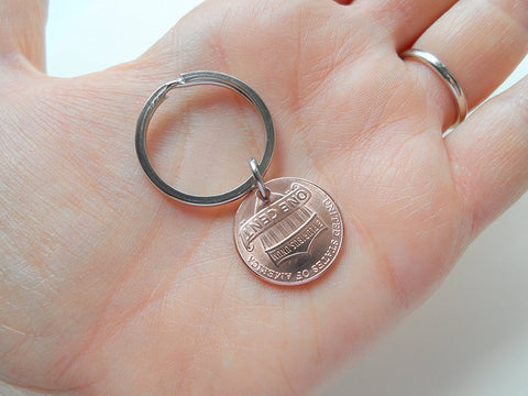 5 Year Anniversary Gift • 2015 Penny Keychain w/ Heart Around Year; Engraved by Jewelry Everyday
