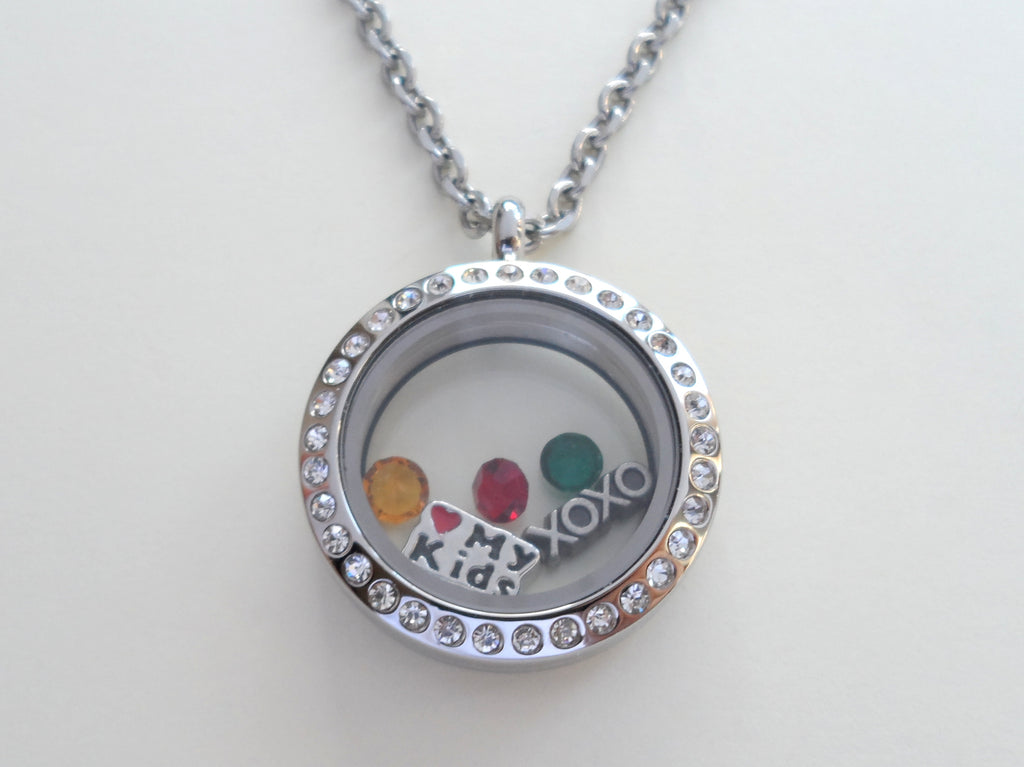 Personalized Medium Crystal Edge Circle Stainless Steel Floating Locket Necklace for Mother or Grandma - by Jewelry Everyday