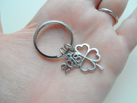 "Clover Keychain with ""2018"" Charm, Graduation Gift Keychain - Good Luck to the New Graduate"