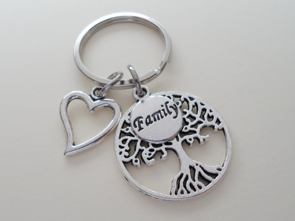Family Tree & Heart Keychain, Family Reunion Gift Keychain, Family Love Keychain, Keychain for Mom, Gift for Mom, Tree of Life Keychain Gift