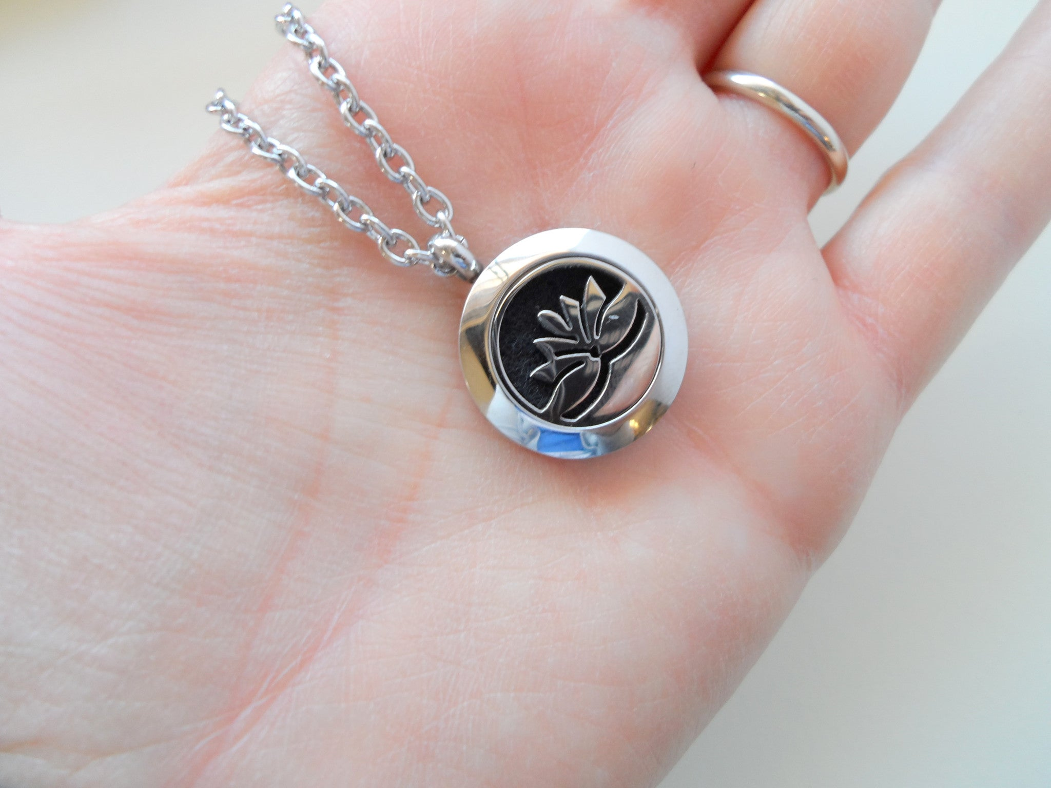 Oil Diffuser Locket Necklace W Lotus Flower Design By Je