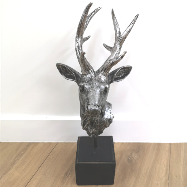 Stag head on cube stand