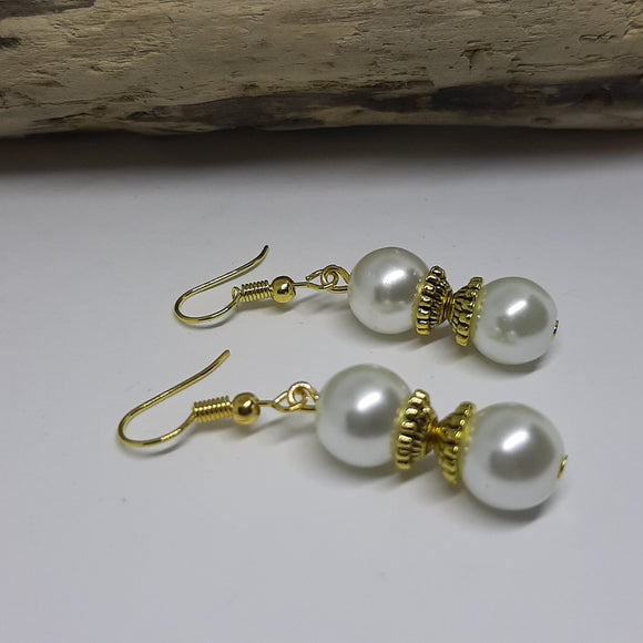 10mm white pearl gold earrings