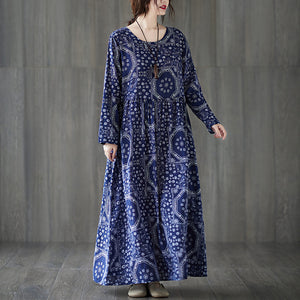 Plus size autumn new style large size loose long skirt national wind round neck printing long sleeve dress