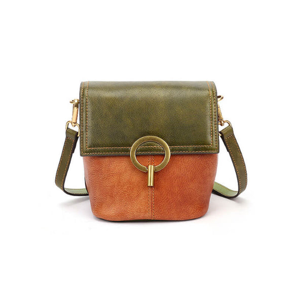 Contrasting vintage leather lady crossbody bag