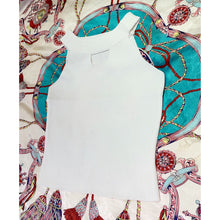 Load image into Gallery viewer, White croptop with cut-out décolletage detail