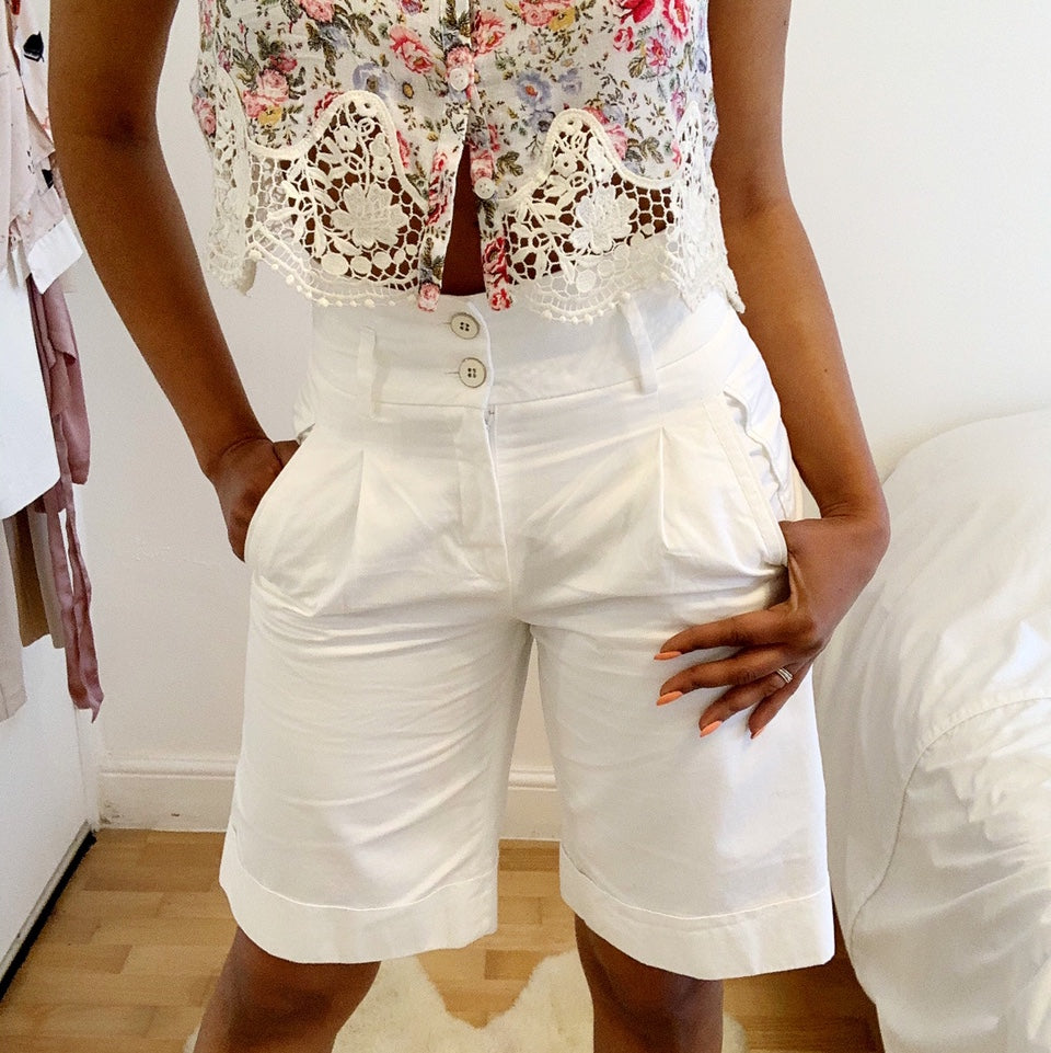 Crystal White dress shorts by Massimo Dutti