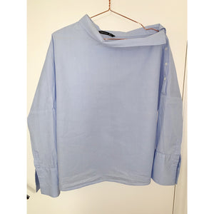Vintage-blue off-shoulder shirt with reversed-collar-detail from Zara