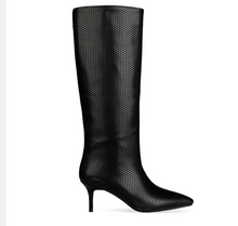 Load image into Gallery viewer, Elegant Black Kitten Heel Boots