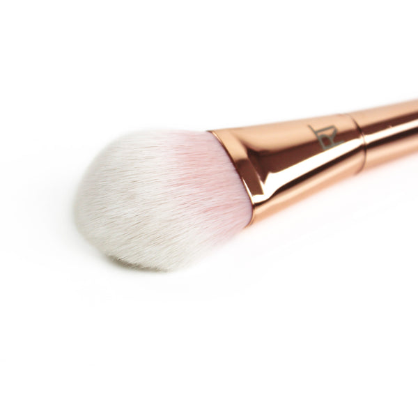 Bold Metals-by Real Techniques Tapered Blush Brush #300