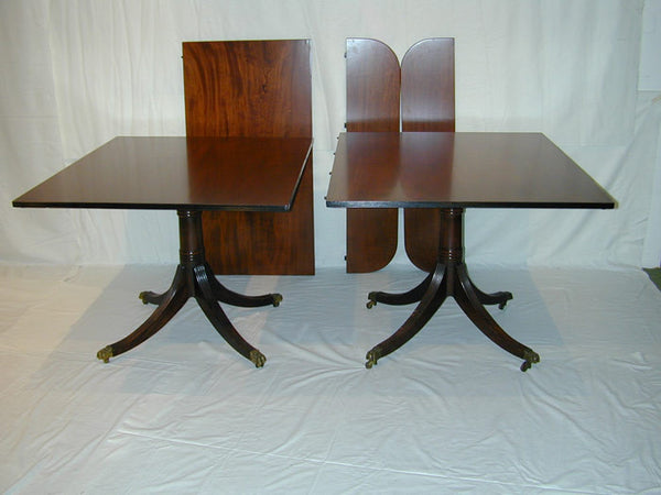 A0061: American Pedestal Dining table