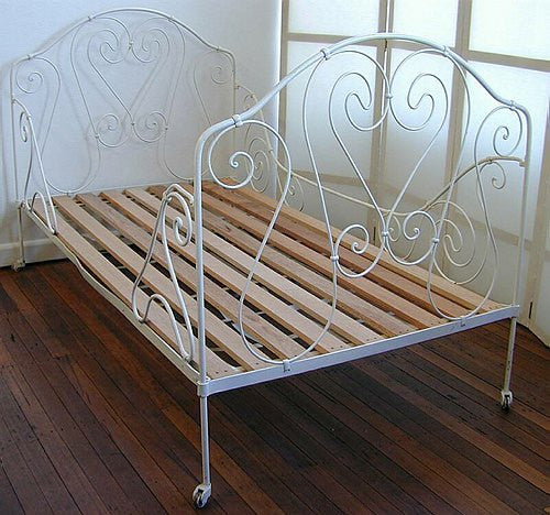 FA64: French decorative wrought iron bed