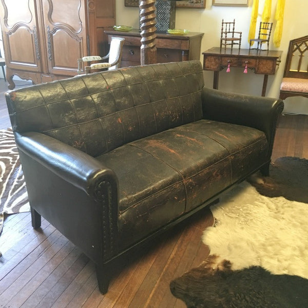 Vintage Leather Club Lounge / Sofa