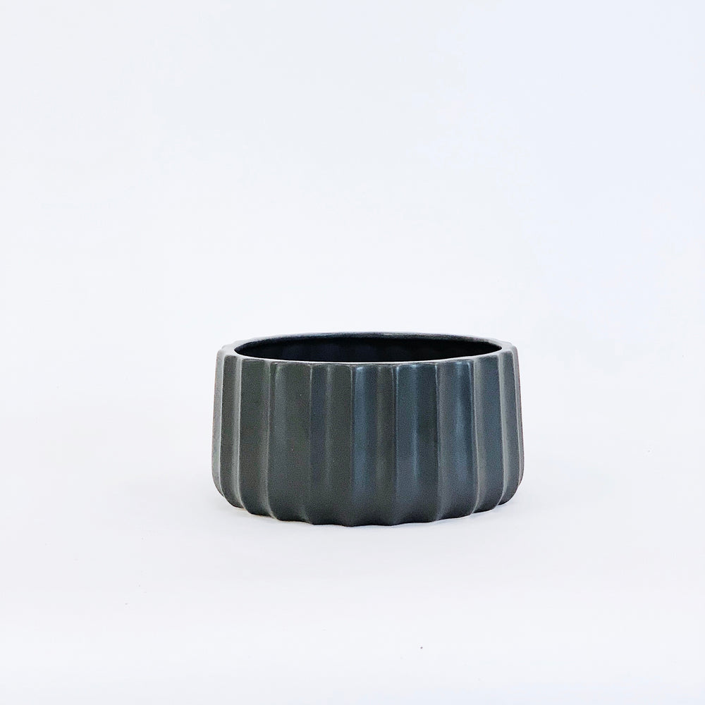 Dolomite Pucker Pot - Black