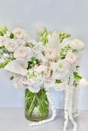 Modern elegance - white florals mixed with dried