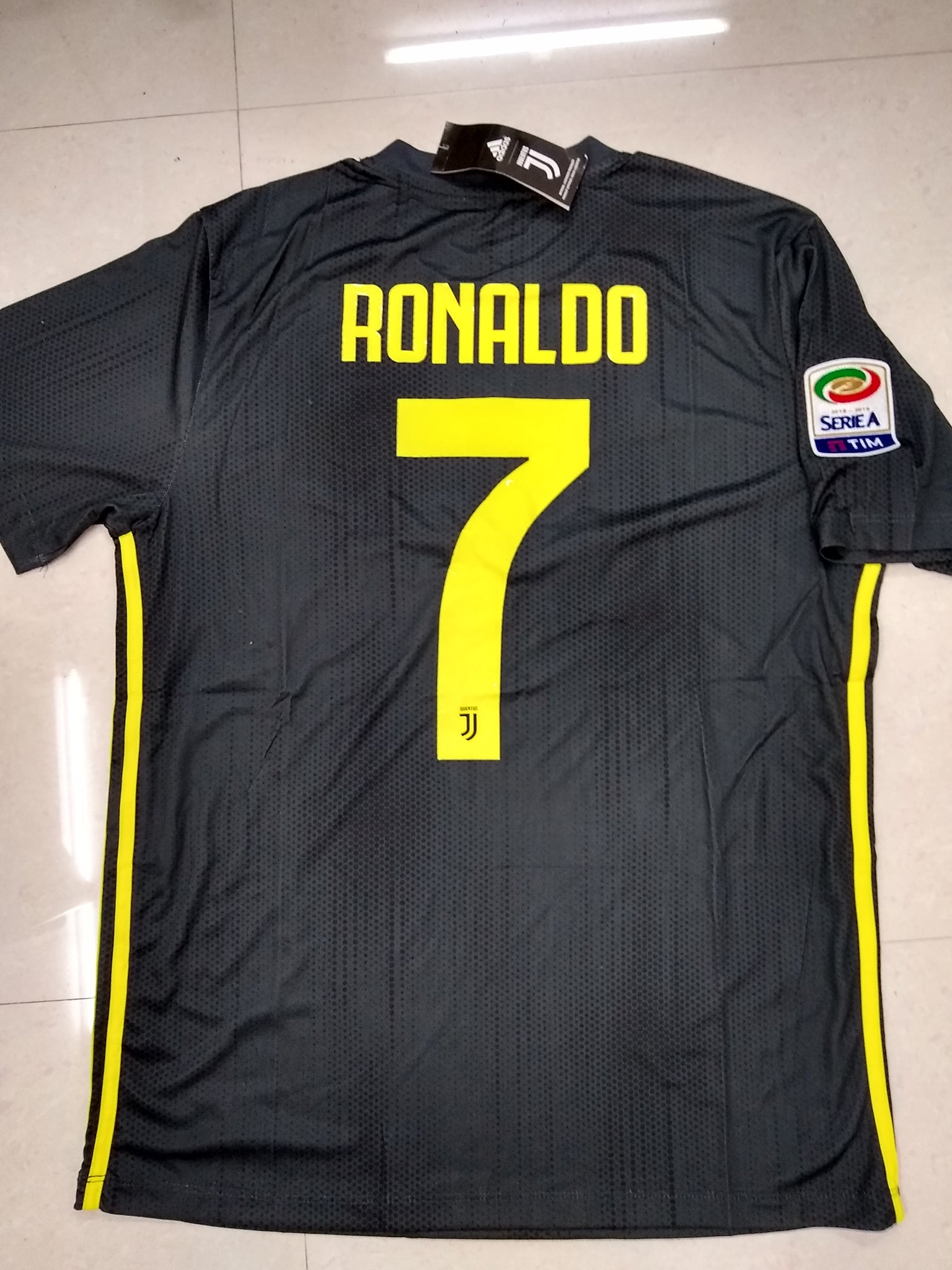 on sale 4adc9 069b3 Juventus Ronaldo Home Football Jersey Season 2018-19 online ...