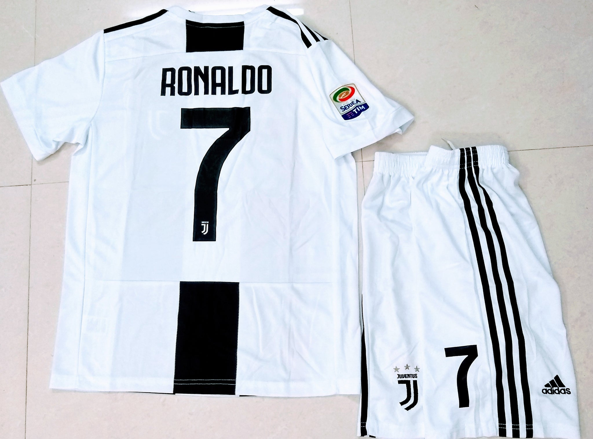 info for a7eb3 b41e0 Original Ronaldo Juventus Premium Home Jersey and Shorts [Optional] 2018-19  (with Italia logos)