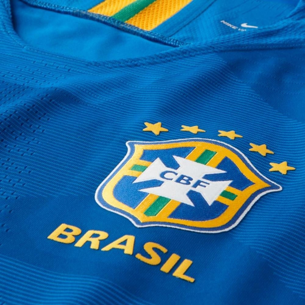 5ef098ee31b ... Original Neymar Brazil Premium Away Jersey   Shorts World Cup 2018 ...