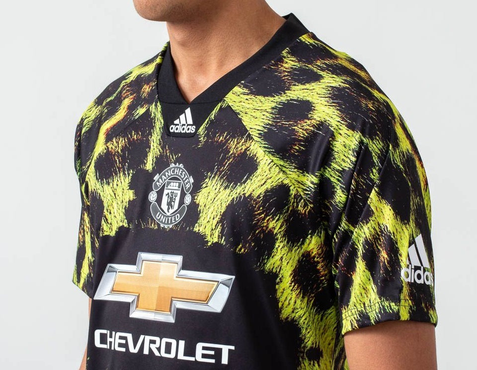 new products 72d42 73b60 Rare Original Manchester United EA Sports Edition Green Jersey & Shorts  [Optional] 2019